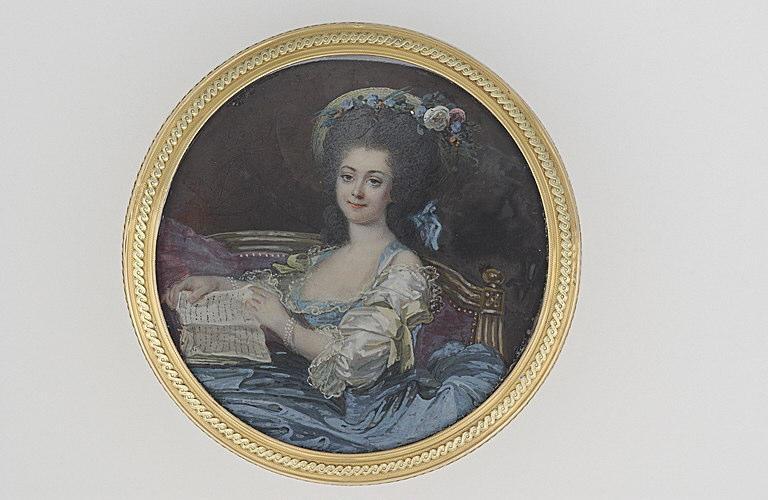 MOSNIER Jean Laurent : Dame assise sur un canapé avec un livre ouvert entre les mains