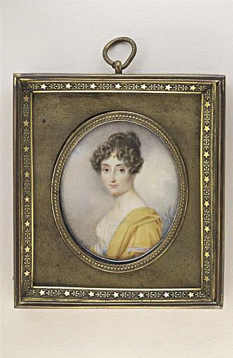 Portrait d'une jeune femme, la tête de face, le corps de trois quarts