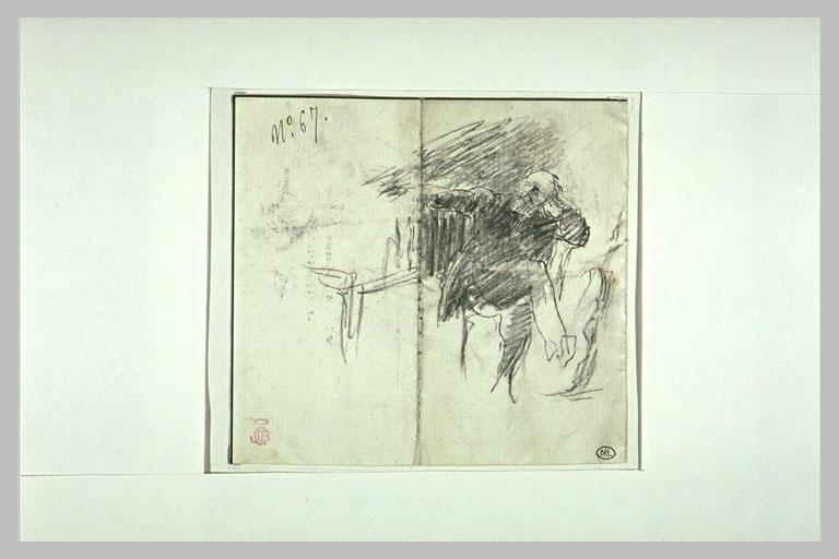 Gounod assis, les jambes croisées, à coté d'un piano_0