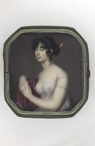 Portrait de femme, assise, portant une draperie transparente blanche