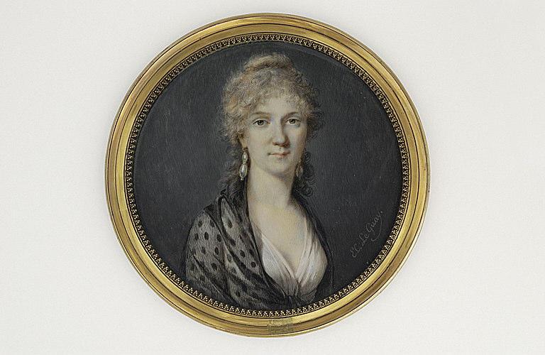 LE GUAY Charles Etienne : Portrait de femme, portant une robe blanche