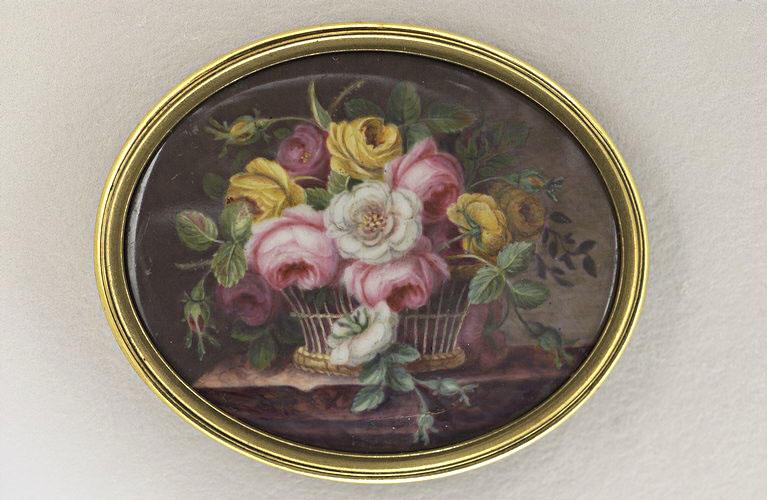 CHAVASSIEU D'HAUDEBERT Adèle : Corbeille de roses blanches, roses et jaunes