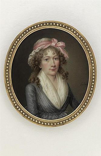 Portrait de femme, en robe gris ardoise_0