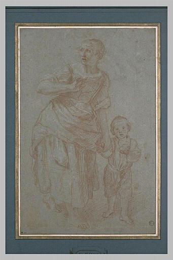 Une femme, paraissant effrayée, s'éloignant vers la droite avec son enfant