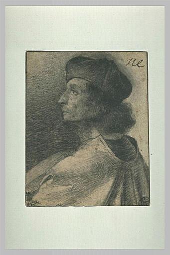 Buste d'homme, de profil vers la gauche, coiffé d'une toque
