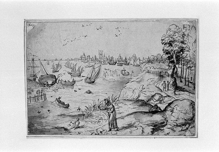 Vue d'une baie, avec chantier naval, et au fond une ville