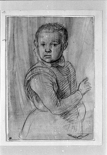 Portrait de jeune garçon, vu à mi-jambes