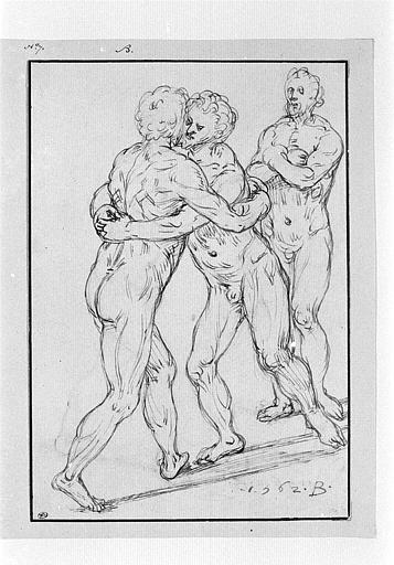 Deux lutteurs nus devant un autre homme nu