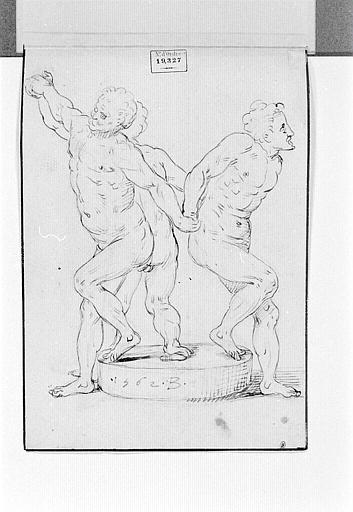 Trois hommes nus sur une meule, se tenant par la main_0