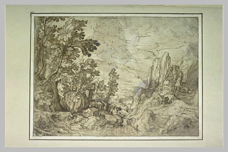 Vue d'une montagne, avec un bourg, une passerelle menant au bois_0
