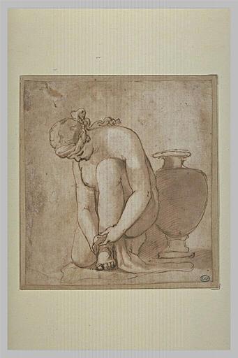 Femme nue, accroupie près d'une urne
