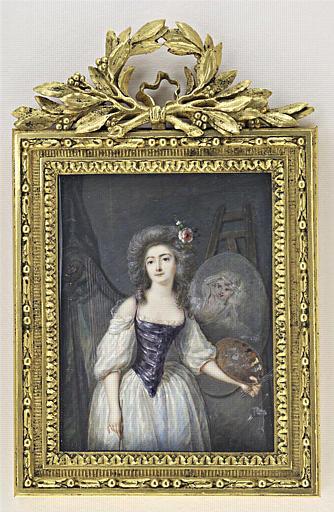 Jeune femme debout, en pied, près d'un chevalet_0