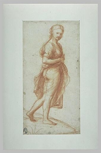 Femme debout, à moitié nue