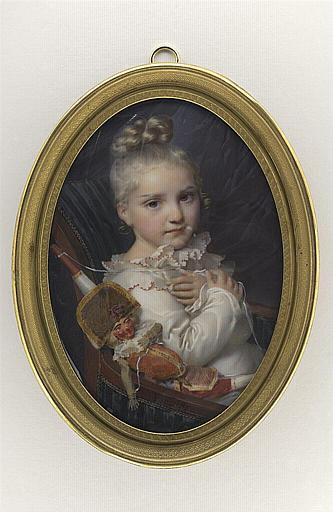 Portrait de petite fille blonde