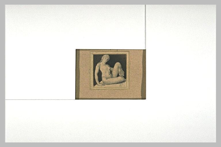 Femme nue, assise sur le sol