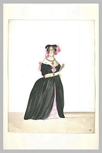 Coquette âgée empanachée, debout, vêtue d'une robe de soirée décolletée