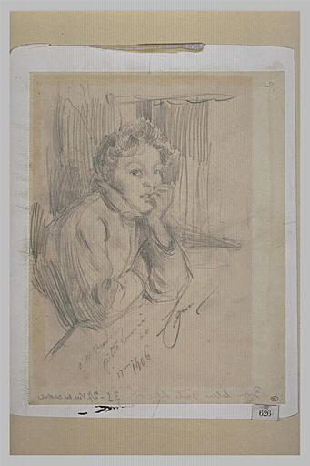 Portrait de femme appuyée à une table, de trois quarts à droite