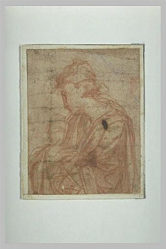 Une femme , de profil vers la gauche : une des trois Marie (?)