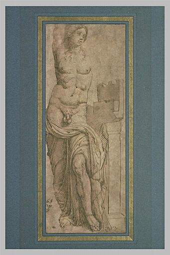 Statue d'Hermaphrodite debout, levant le bras droit
