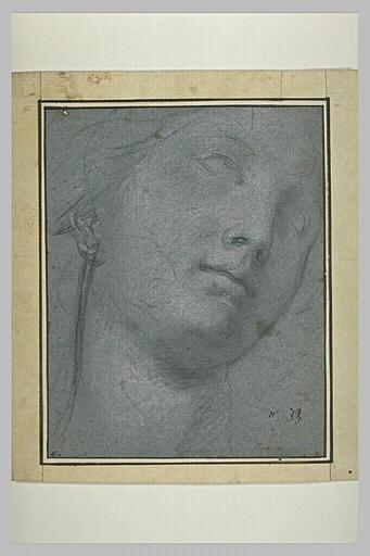Tête de femme, de trois quarts, regardant vers le haut