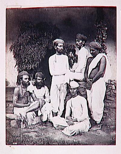 Groupe de six Indiens_0