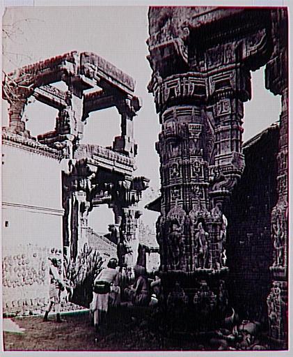 Vue du temple de Rudramâlâ, à Siddhapur (Gujerat)