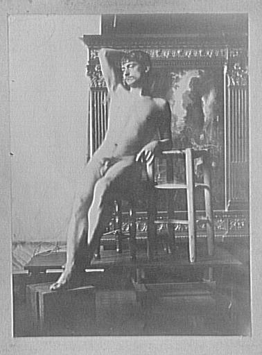 Modèle masculin dans l'atelier de Gustave Moreau : pose pour Les Argonautes (figure de gauche)_0