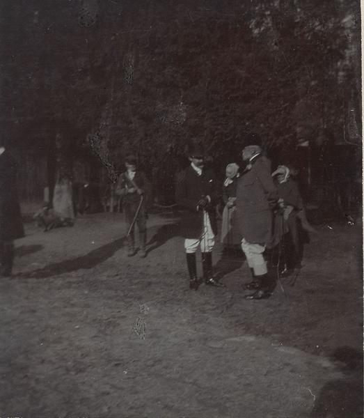 Robert d'Orléans duc de Chartres (1840-1910) et son ami M. Hugues lors d'une chasse à courre en Chantilly_0