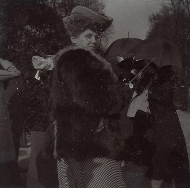 Portrait d'une dame lors d'une chasse à courre en Chantilly_0