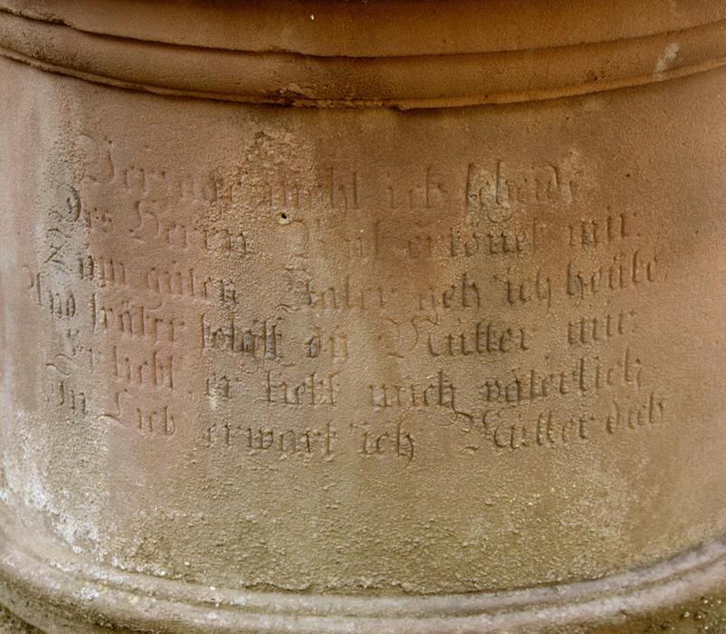 statue tombale : monument funéraire d'Edouard Apffel (titre factice)