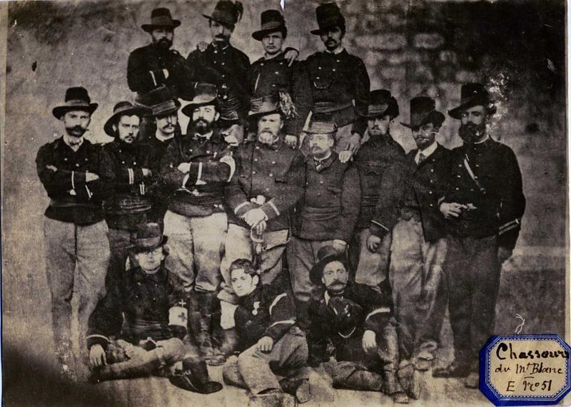 Officiers, s-officiers et chef de triade / des chasseurs des Alpes, francs-tireurs de la Savoie (titre manuscrit)_0