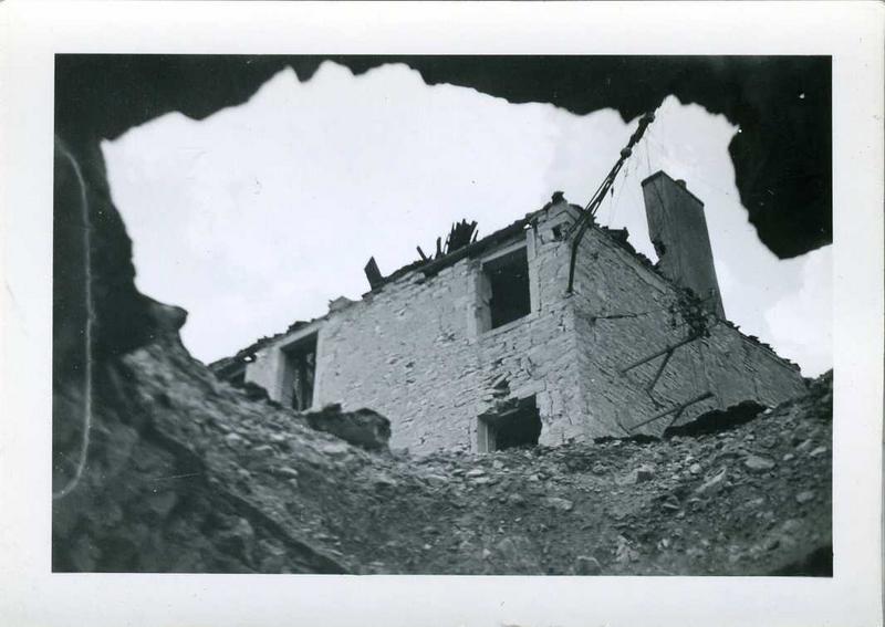 Nuits 1944 / Maison Goudot / coin rue de Chaux et rue du Tribourg (titre inscrit)_0