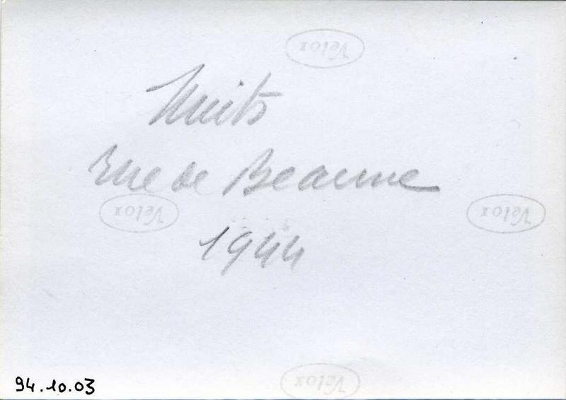Nuits / rue de Beaune / 1944 (titre inscrit)