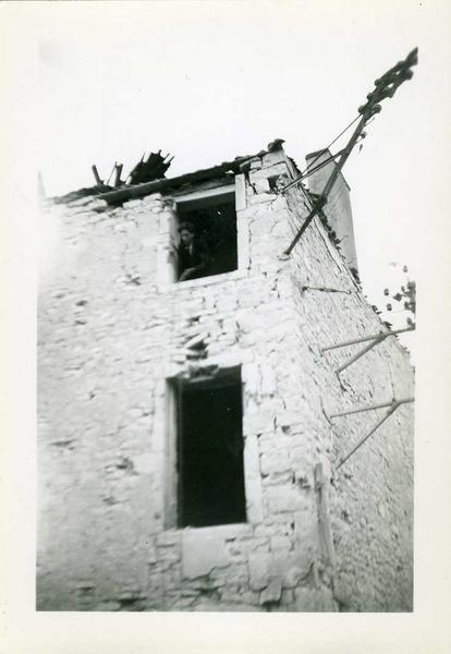 Nuits / Maison Goudot / 1944 / coin rue de Chaux / et rue du Tribourg (titre inscrit)_0
