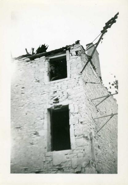 Nuits 1944 / Maison Goudot / coin rue de Chaux / et rue du Tribourg (titre inscrit)