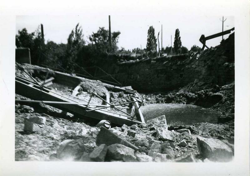anonyme (photographe) : Nuits 1944 / Pont du Champ de Foire (titre inscrit)