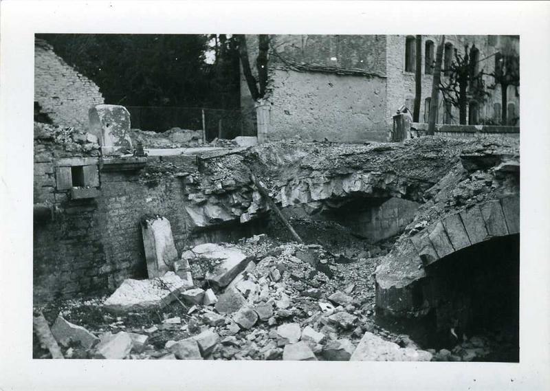 anonyme (photographe) : Nuits 1944 / rue de Chaux / Pont de Chaux et Quai Fleury (titre inscrit)