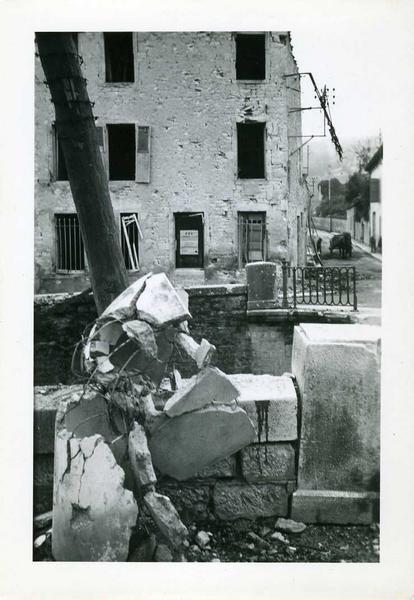 Nuits / 1944 / Coin rue de Chaux / et rue du Tribourg / Sur la porte / affiche FFI (titre inscrit)_0
