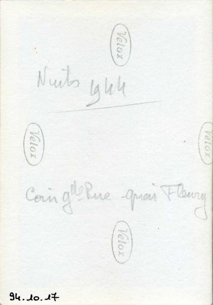 anonyme (photographe) : Nuits 1944 / coin gde Rue quai Fleury (titre inscrit)