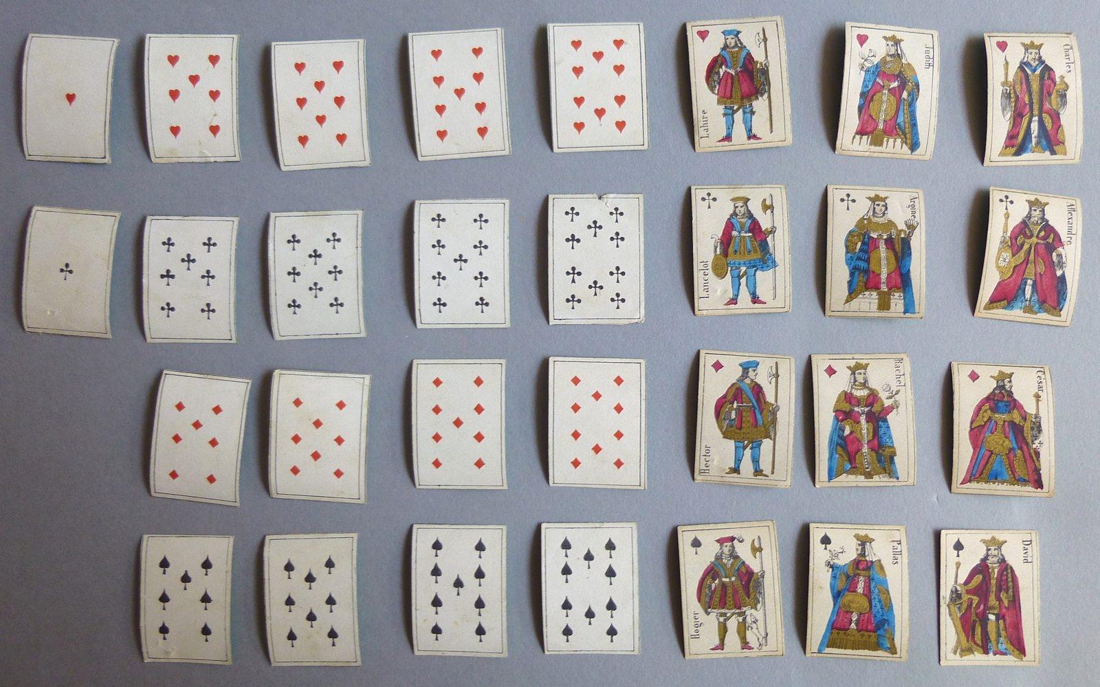 Jeu de cartes miniatures au portrait de Paris_0