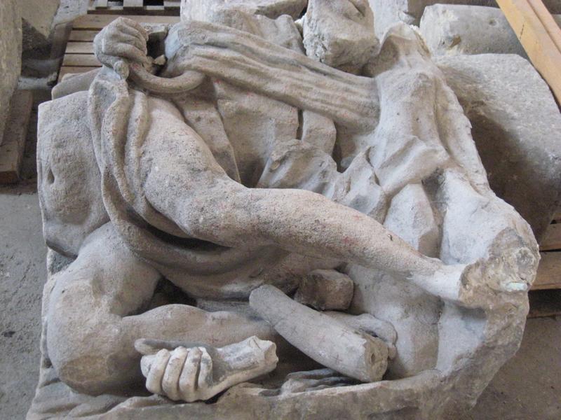 PERRETTE Jacques (sculpteur), DEVOSGE François (auteur du modèle), LONGIN Charles François (architecte), NODIER Joseph (entrepreneur) : Allégorie du Doubs