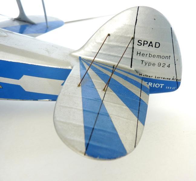 anonyme : Modèle réduit au 1/20e Biplan Spad-Herbemont de l'aviateur Louis Massotte