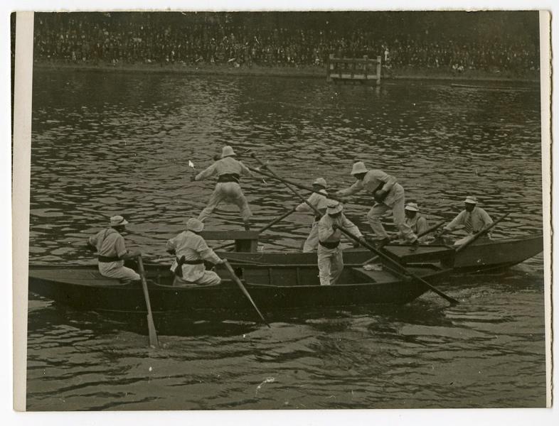 anonyme (photographe) : Joutes sur la Seine (Titre fictif)