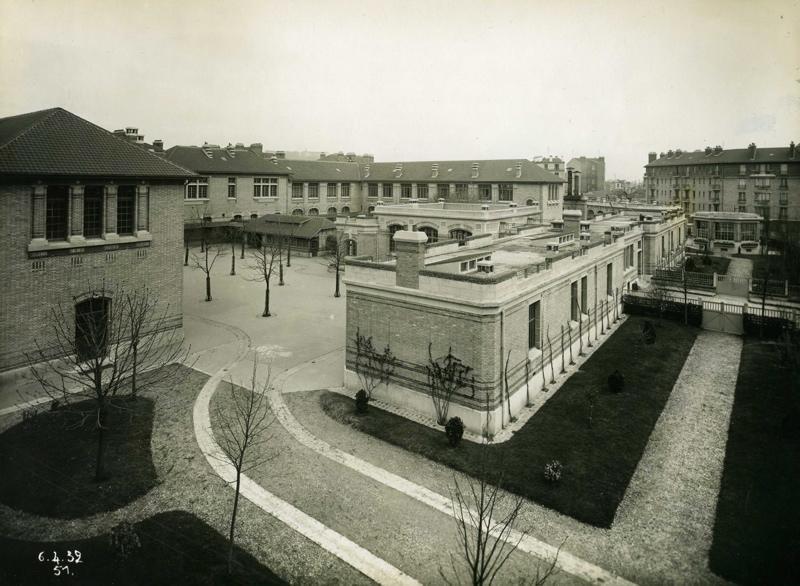 Ecole primaire Edouard Vaillant de la cité-jardins - Vue des cours intérieures (Titre fictif)_0