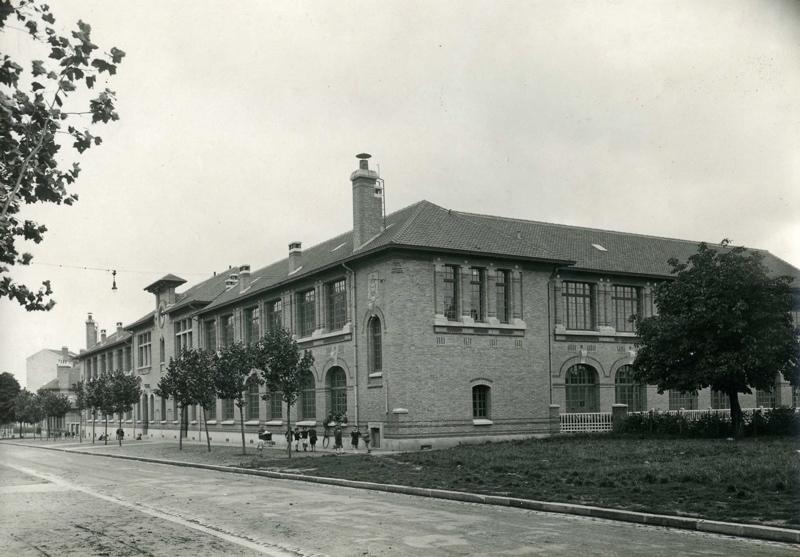 Ecole primaire Edouard Vaillant de la cité-jardins - Façade latérale extérieure (Titre fictif)_0