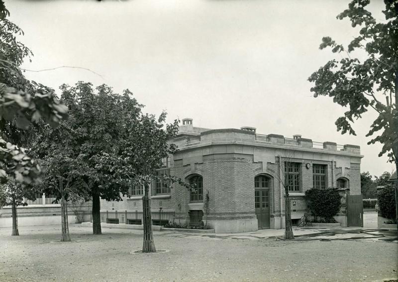 anonyme : Ecole primaire Edouard Vaillant de la cité-jardins - Le bâtiment des ateliers (Titre fictif)