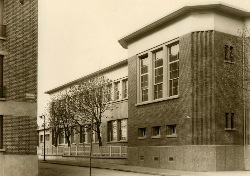 Ecole primaire Aristide Briand de la cité-jardins - Façade à l'angle de l'avenue Wilson et du boulevard Aristide Briand (Titre fictif)_0