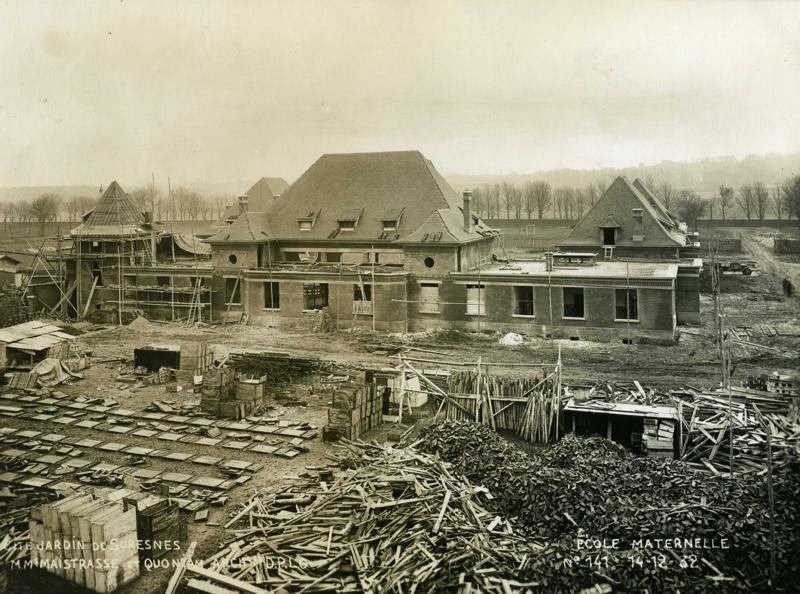 Ecole maternelle Wilson de la cité-jardins en construction (Titre fictif)_0