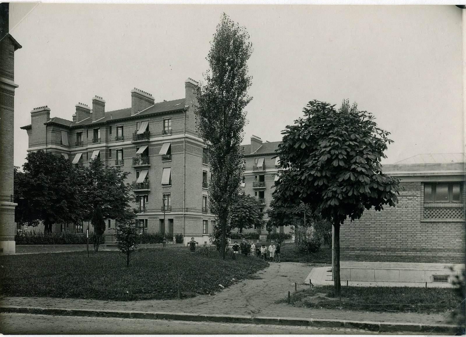 anonyme : Vue de la cité-jardins (Titre fictif)