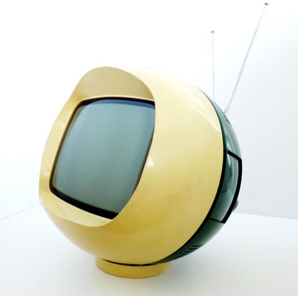 PHILIPS (société), LA RADIOTECHNIQUE (fabricant) : Téléviseur portatif dit 'Pamplemousse'